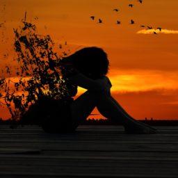 Cuando tu cuerpo habla pero tu mente no escucha: Emociones bloqueadas